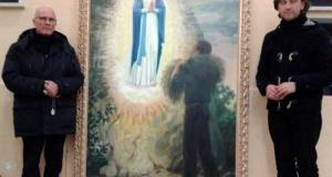 Consegnato un dipinto dell'apparizione della Madonna dello Scoglio a Fratel Cosimo.