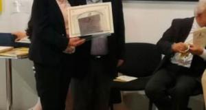 """Bruna Marino sul podio del """"Premio Franco Loria – Città di Crotone""""."""