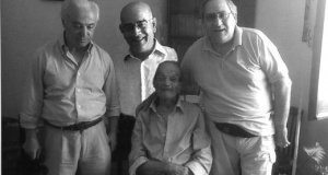 Un mondo perduto   Dopo 55 anni rincontrano il loro professore.
